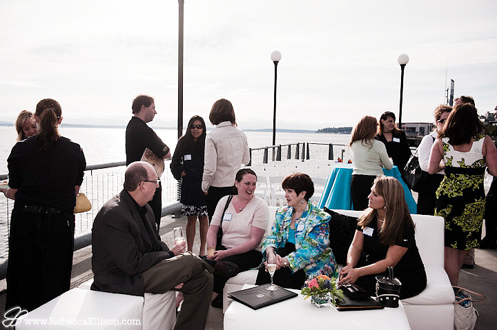 wedding vendors mingling outside of the Seattle Aquarium