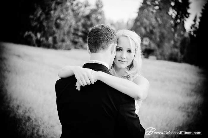 how to look amazing in pictures - engagement and wedding portraits