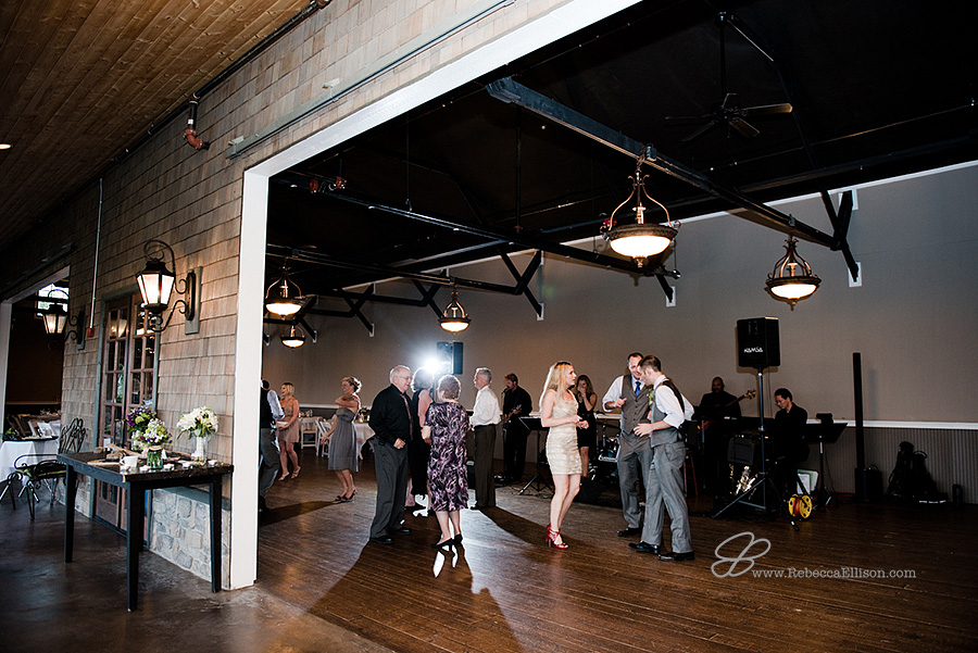 Snohomish wedding photographer Rebecca Ellison captures overview of wedding reception at HIdden Meadows wedding venue