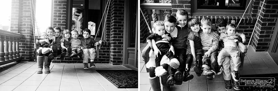 Extended family portraits of kids and cousins photographed by Seattle family photographer Rebecca Ellison