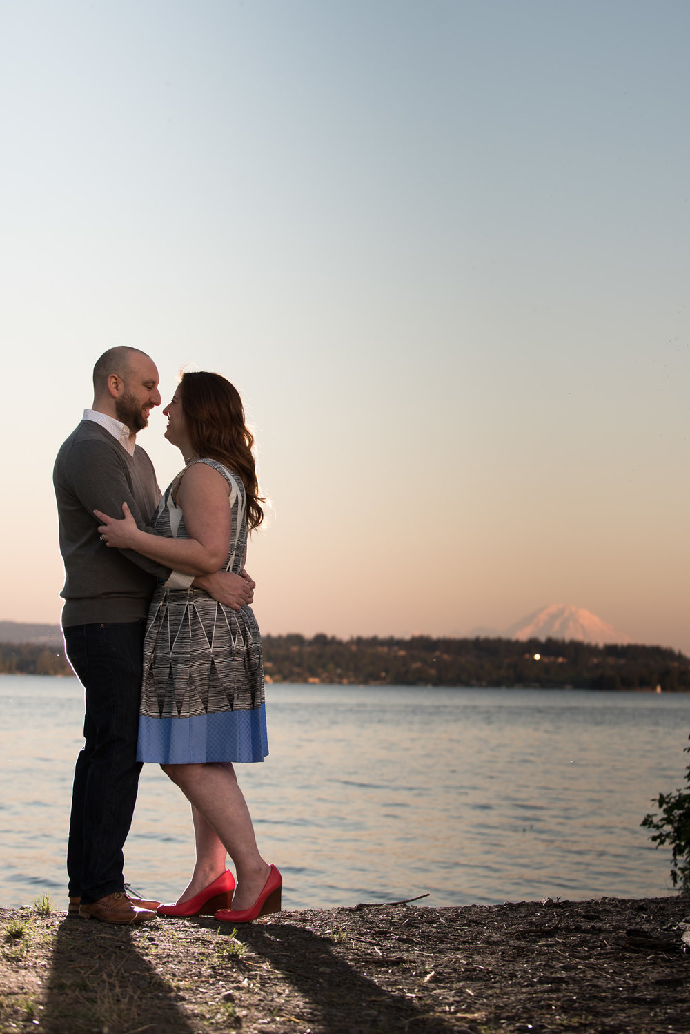 dreamy sunset light at this Magnuson Park engagement photo session with Vicki and Mike