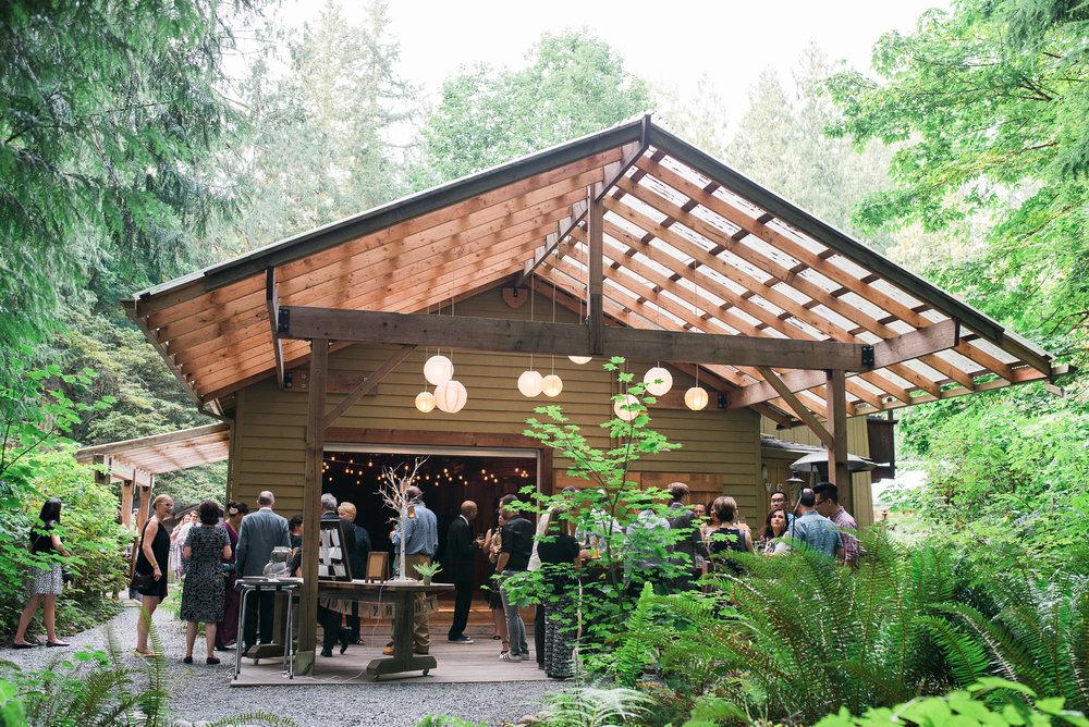 outdoor cocktail hour Unique PNW wedding venue - Treehouse Point