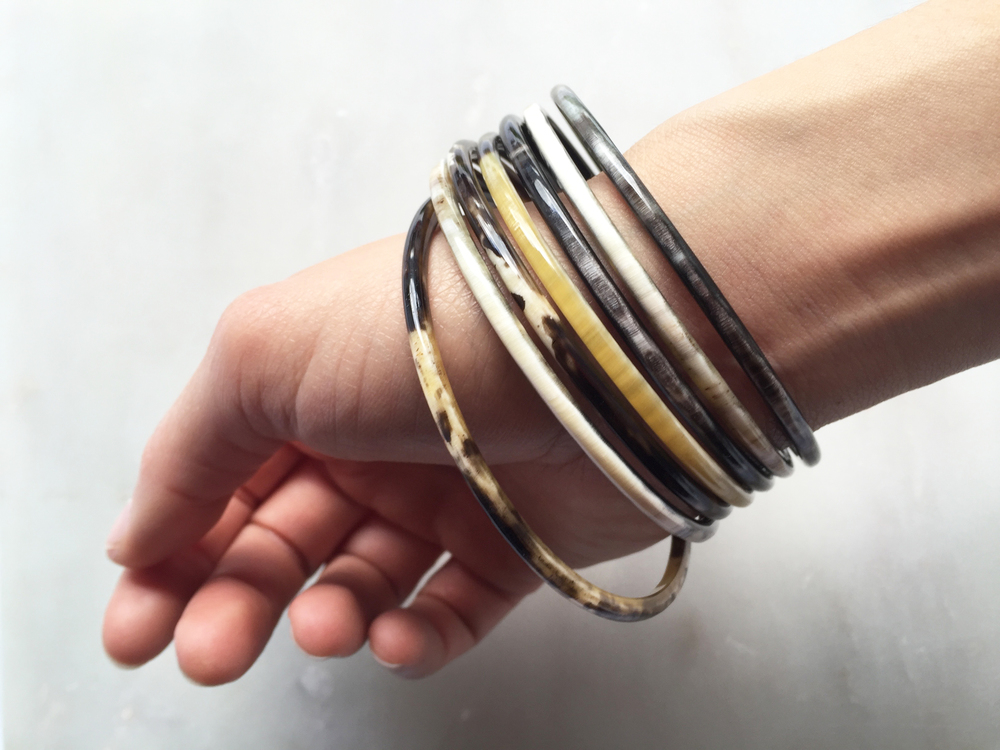 Color variations from the Jane Buffalo Horn Thin Banglesby Hathorway