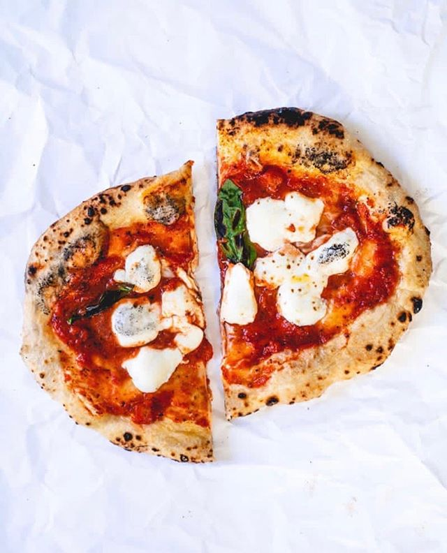 Still Italy dreaming. Simple pleasures like a Margherita Pizza never tastes as good as when you're travelling. But try this one at home from @acouplecooks it's yummy. #meatfreemondays #healthy #simple #tasty #freshmozzarella #freshbasil  #pantrystaples #marketfood #addaglassofvinorosso