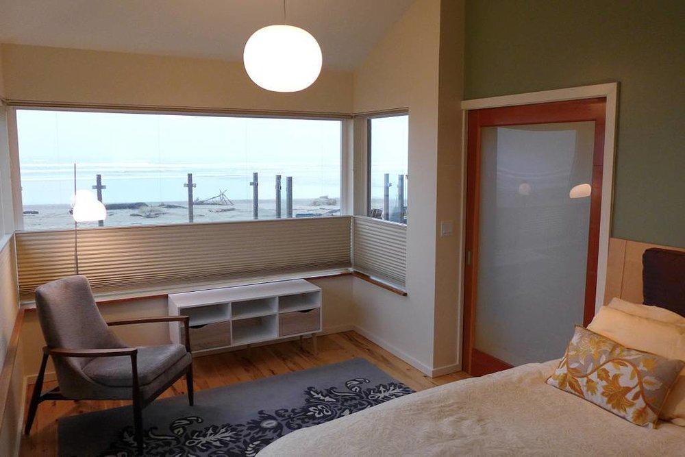 beachbedroom.jpg