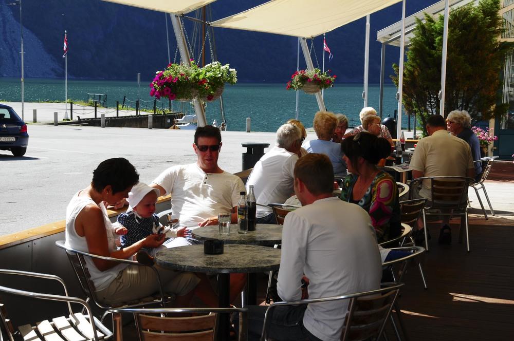 Klingenberg Hotel-uteservering-7RM_7495 - Kopi.jpg