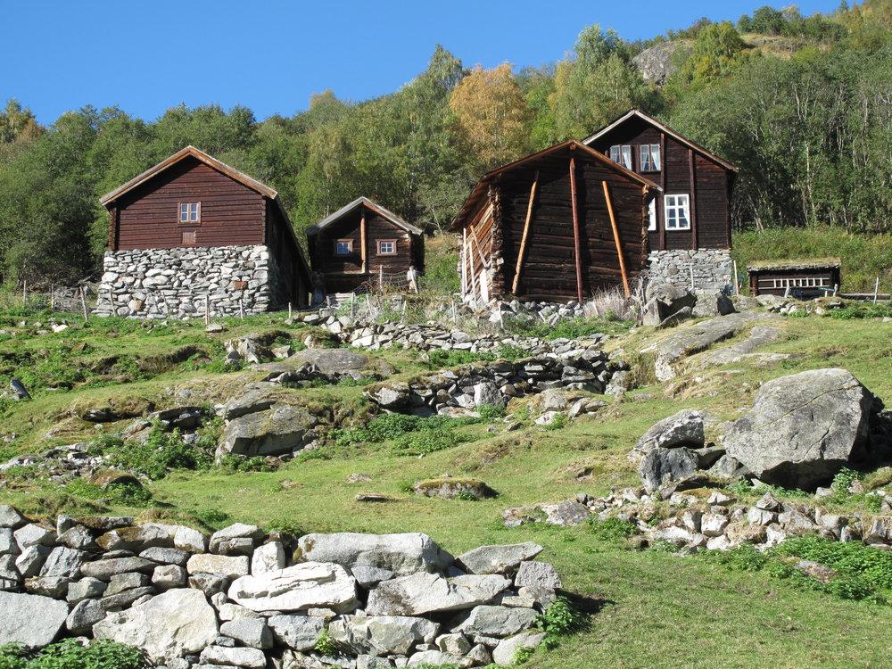Overnatt på Avdalen Gard eller bruk dagen her i idylliske omgjevnader. FOTO: www.avdalen.no