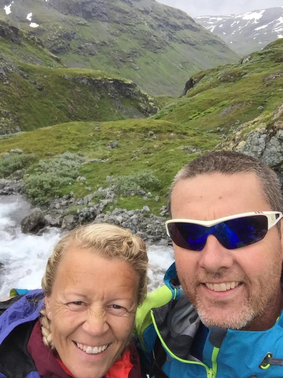 Janne og Kurt Jevnaker på tur. Foto: Privat