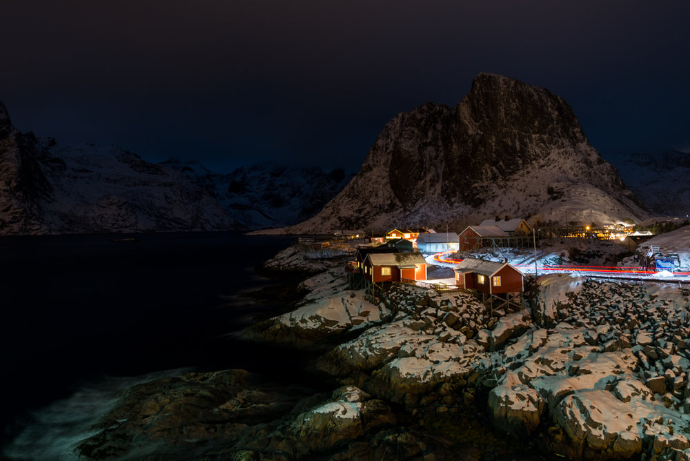 The iconic houses of Hamnøy at night.
