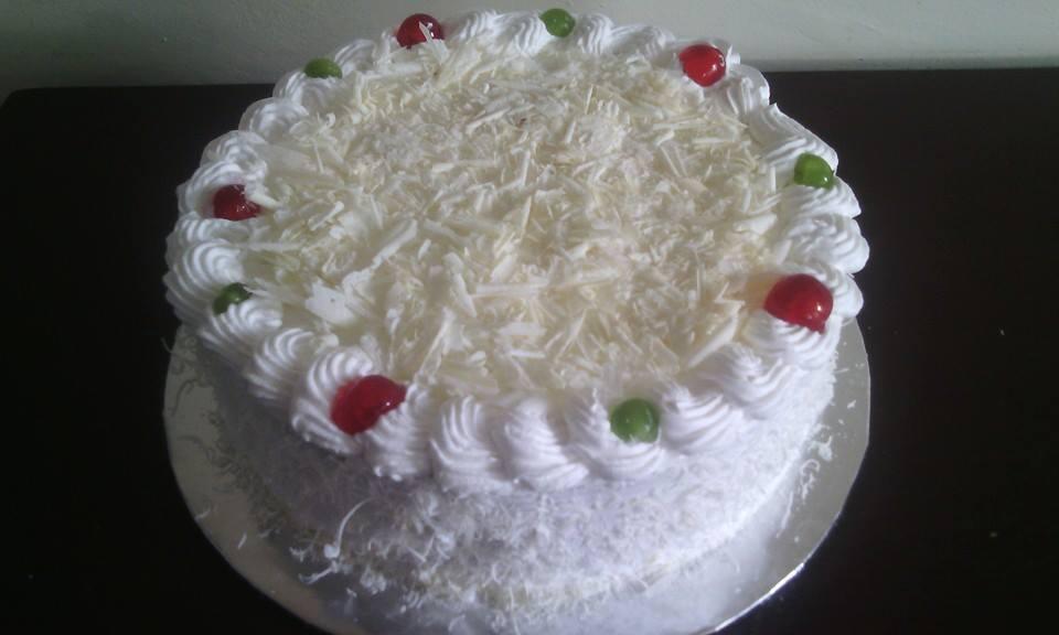 white forest cake 2 [718046].jpg