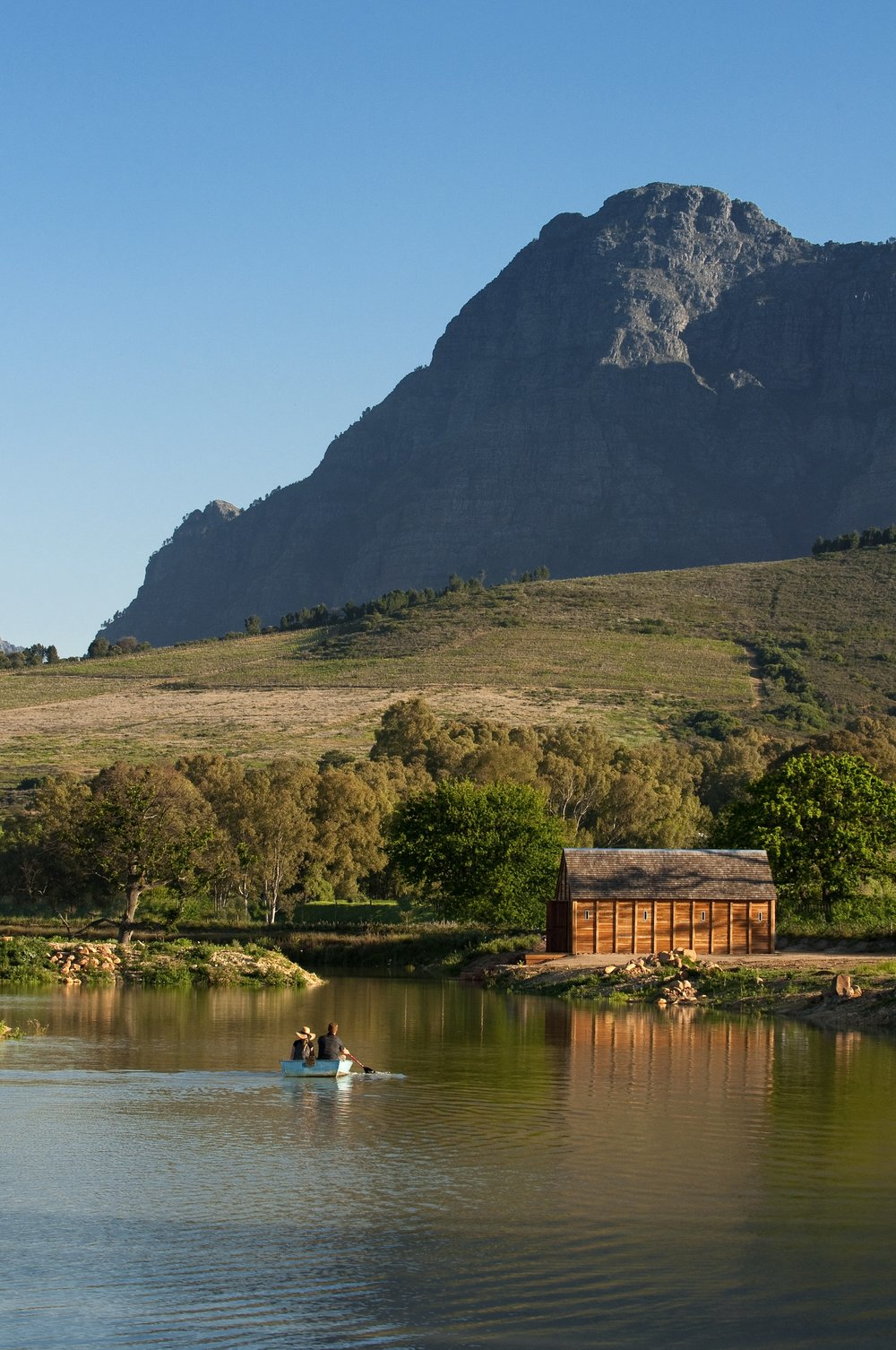 14. Canoeing on the large dam under the Simonsberg (1).jpg