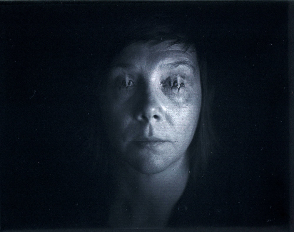 Erin Harper Vernon, Studio test for Scanera with slow blinking - Document scanner for 4x5
