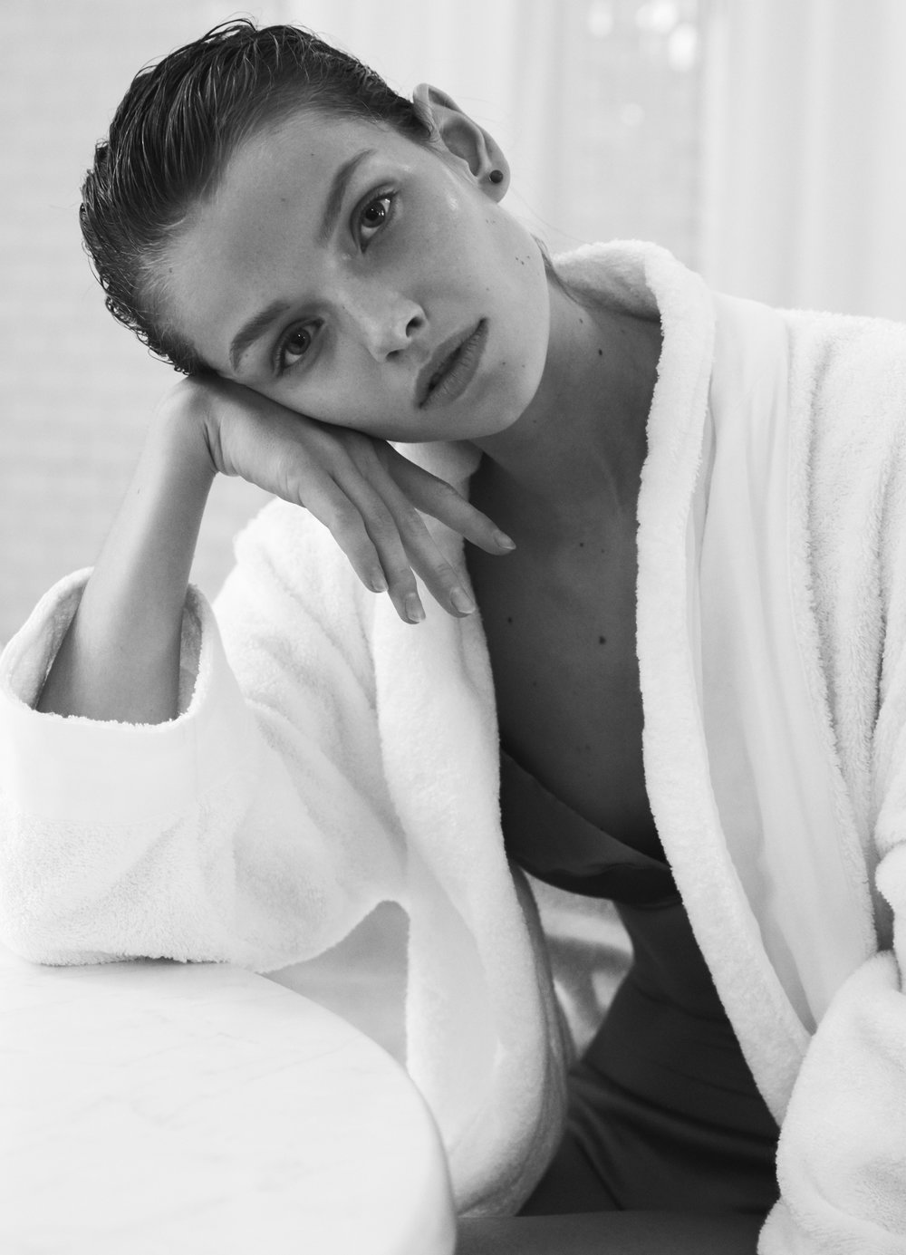 Russh_Online_Beauty_Editorial_Photographed_by_Amie_Milne_09.jpg