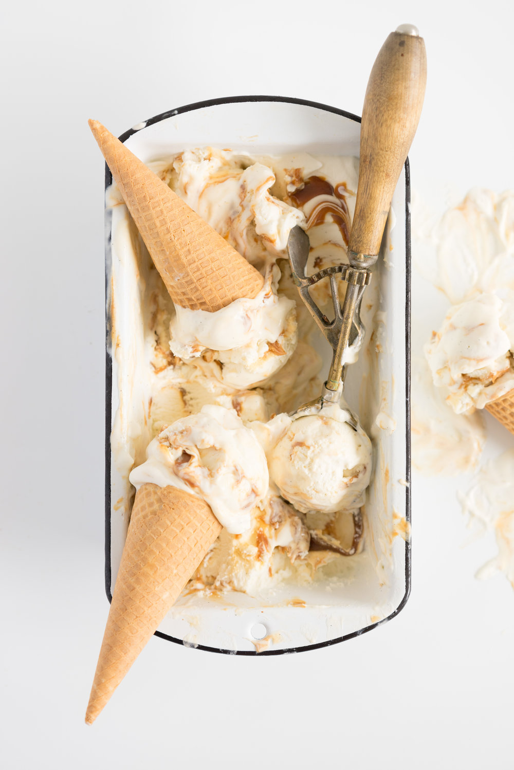 Salted Caramel No churn Ice Cream - a fancy wee twist on everyone's favourite no-churn recipe