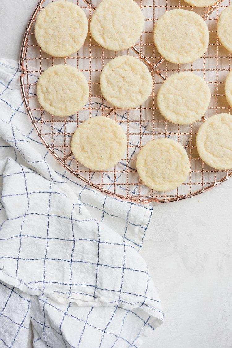 Vanilla Sandwich Cookie with Vanilla bean Marshmallow and Dark ...