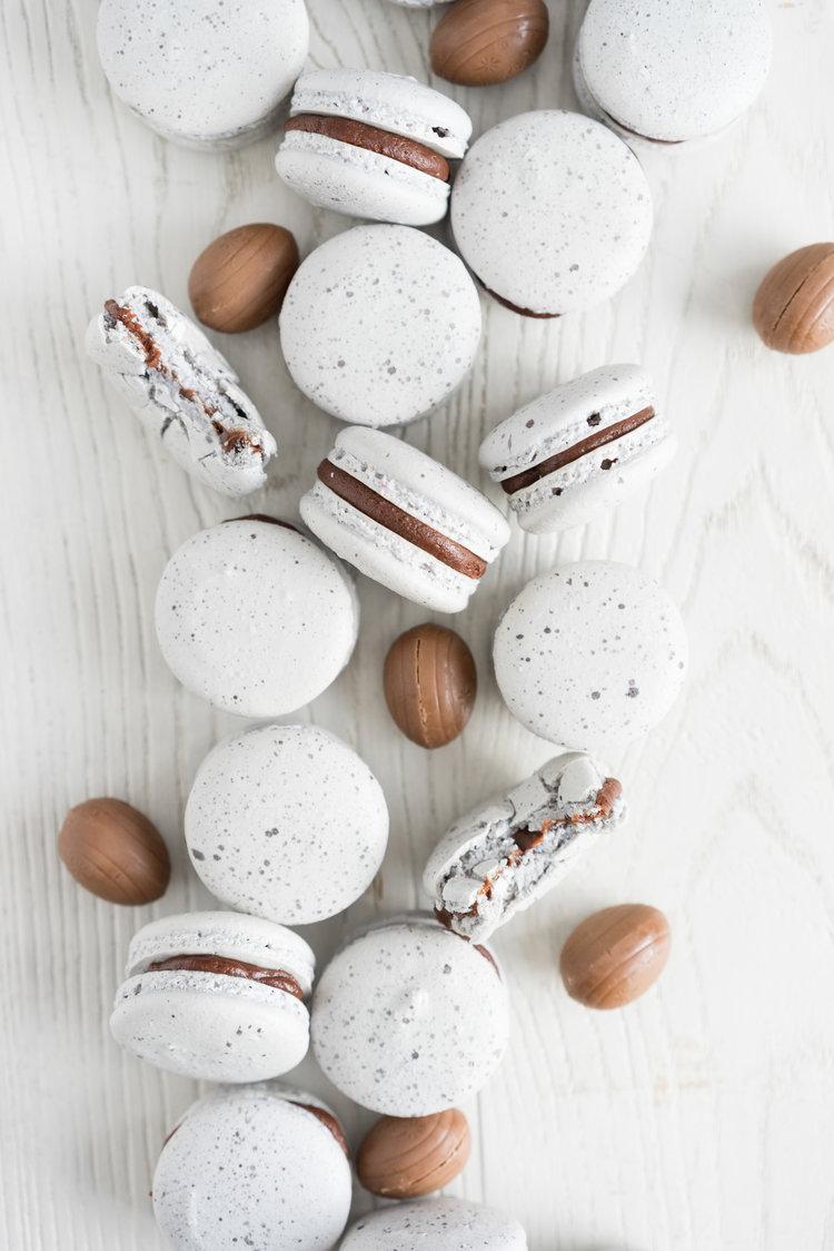 Creme Egg Macarons — Cloudy Kitchen