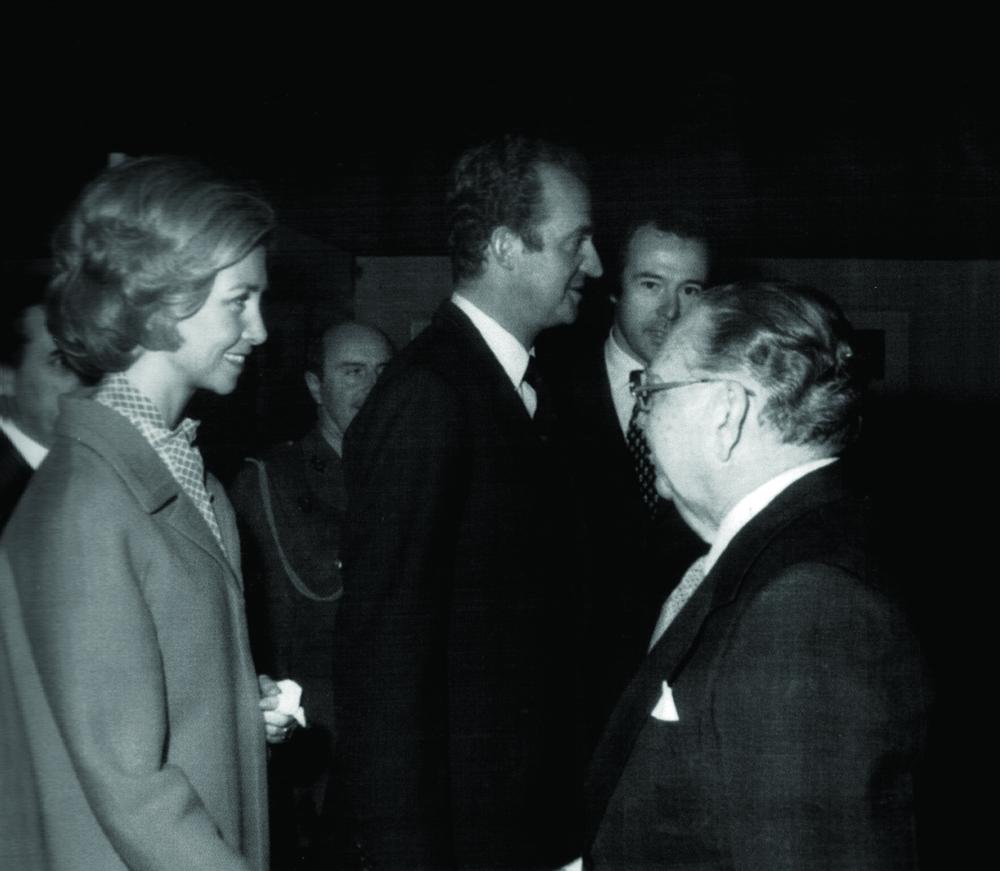 José Antonio Caro Álvarez junto a los Reyes de España