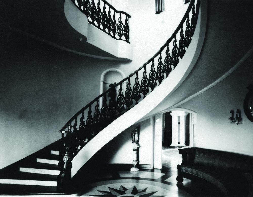 Escalera Interior Residencia Martínez Alba