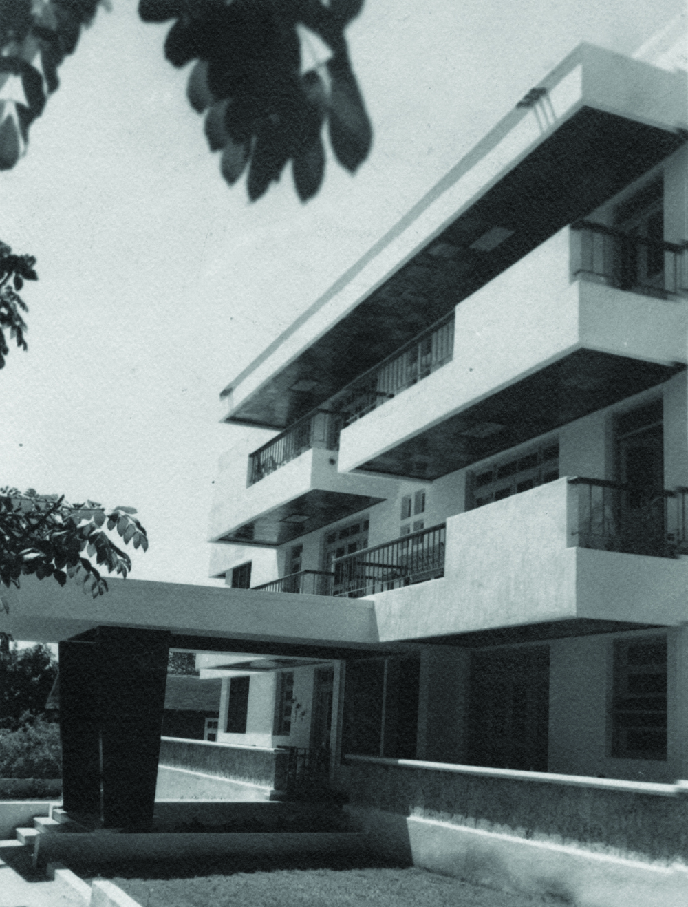 Edificio de apartamentos José A. Caro Álvarez (USAID)