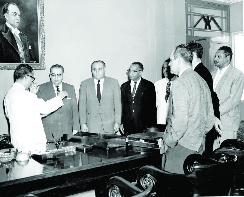 José Antonio Caro Álvarez es juramentado como Rector de la Universidad de Santo Domingo por el Secretario de Educación y Bellas Artes Emilio Rodríguez Demorizi. 8 de Julio de 1961.