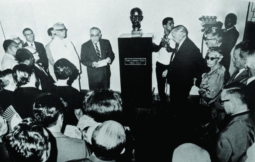 José Antonio Caro Álvarez en sus funciones como primer Rector de la UNPHU, 1966.
