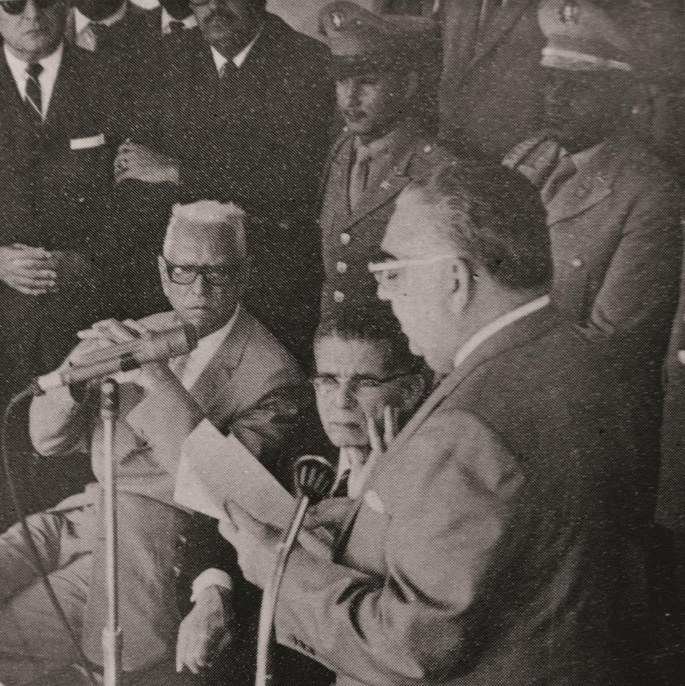 José Antonio Caro Álvarez junto al Presidente Joaquín Balaguer en el acto de inauguración de la Universidad Nacional Pedro Henríquez Ureña -UNPHU-, 1966.