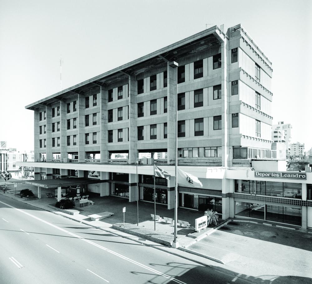 Edificio Hache SD-R.jpg