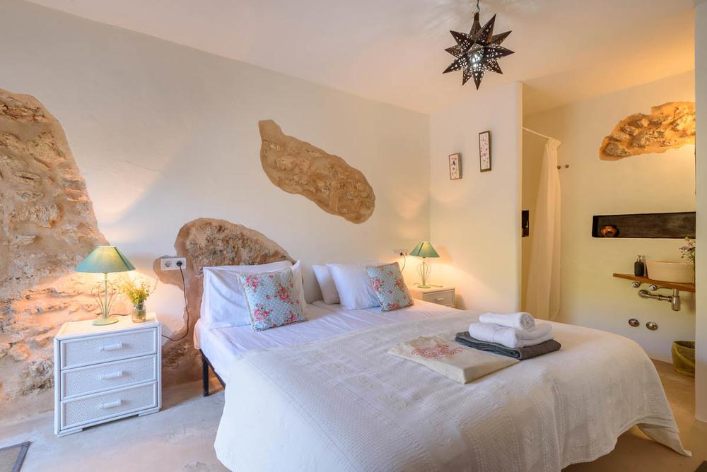 Yoga-Retreat-Ibiza-Luxury-Accomodation-26.jpg