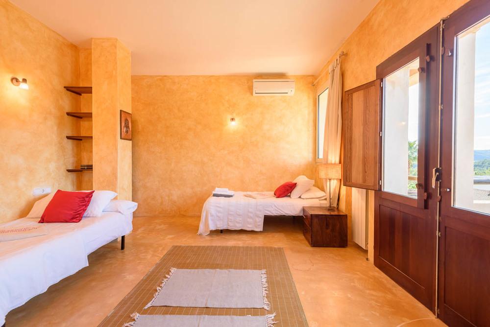 Yoga-Retreat-Ibiza-Luxury-Accomodation-18.jpg