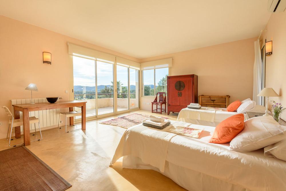 Yoga-Retreat-Ibiza-Luxury-Accomodation-14.jpg