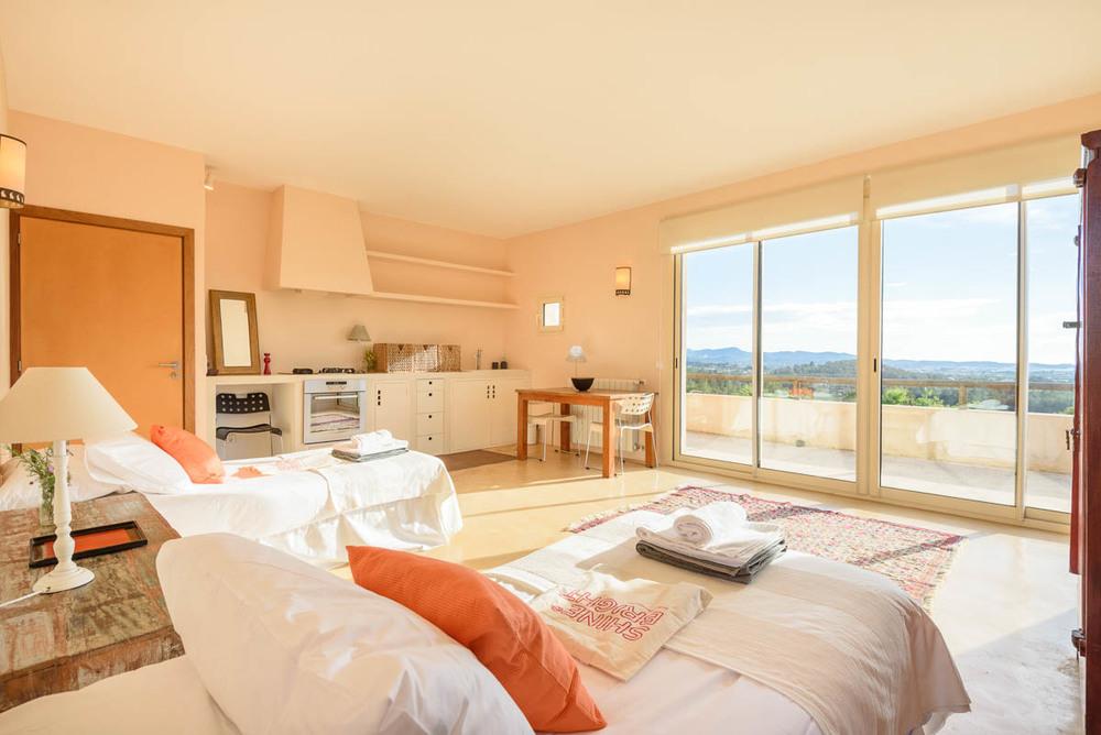 Yoga-Retreat-Ibiza-Luxury-Accomodation-15.jpg