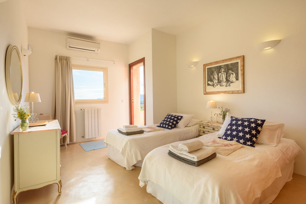Yoga-Retreat-Ibiza-Luxury-Accomodation-12.jpg