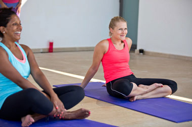 4-happy-yogis-practing-yoga-retreat.jpg