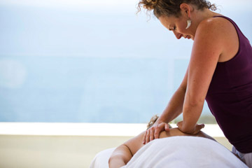 massage-on-yoga-retreat-spain.jpg