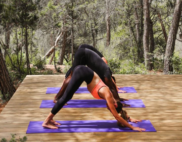 2-yoga-in-beatiful-locatons.jpg