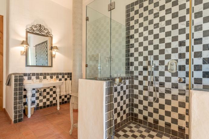 luxury+rooms+hotel+yoga+retreat+ibiza-3.jpg