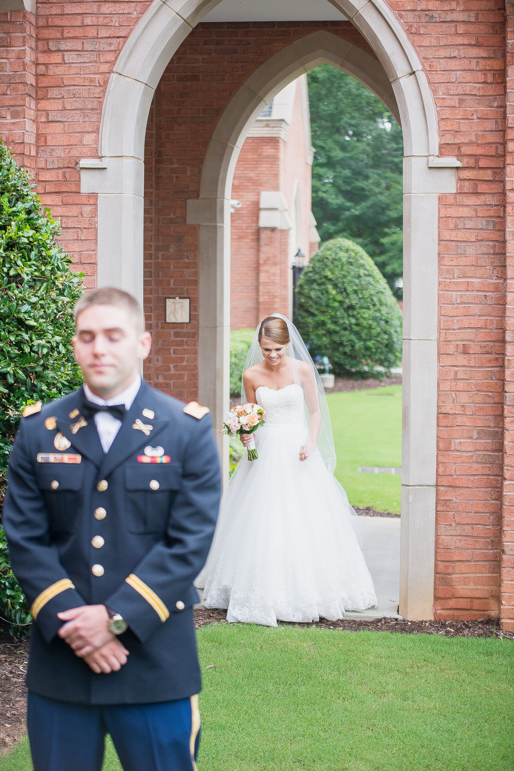 littlegardenslawrencevillegaweddingphotographer