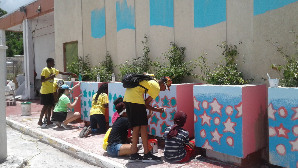 Campers working on mural project at the Marriot. Images courtesy of the NAGB.