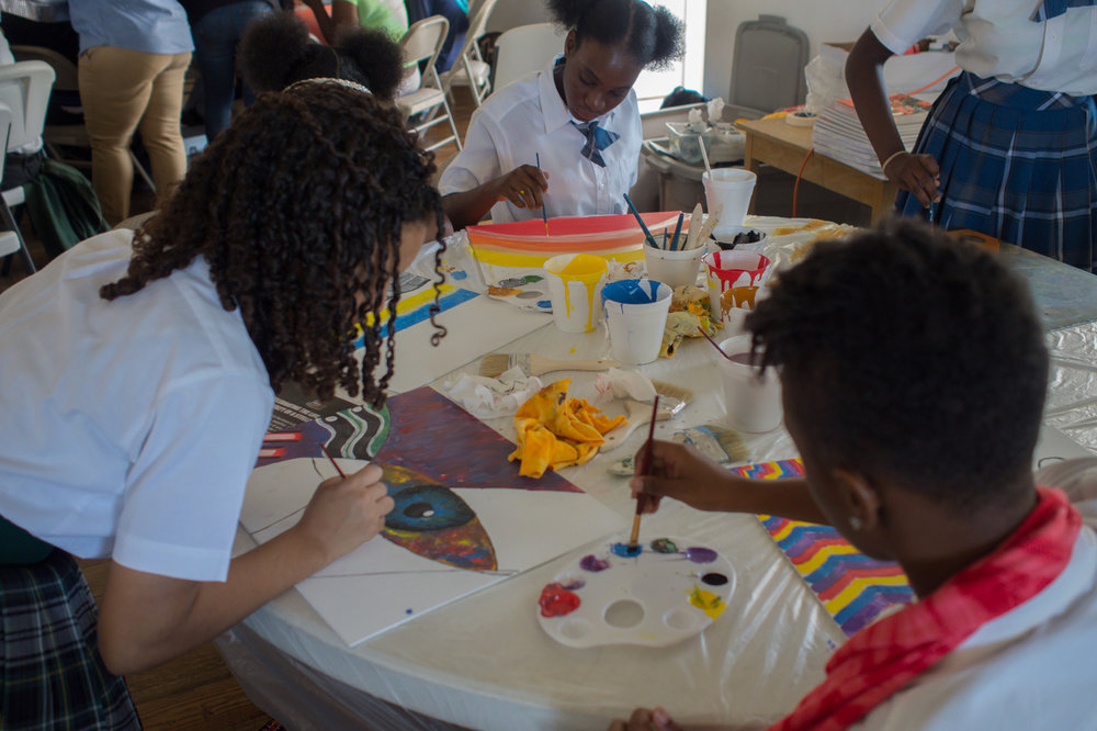 Students making art at Eleuthera workshop.