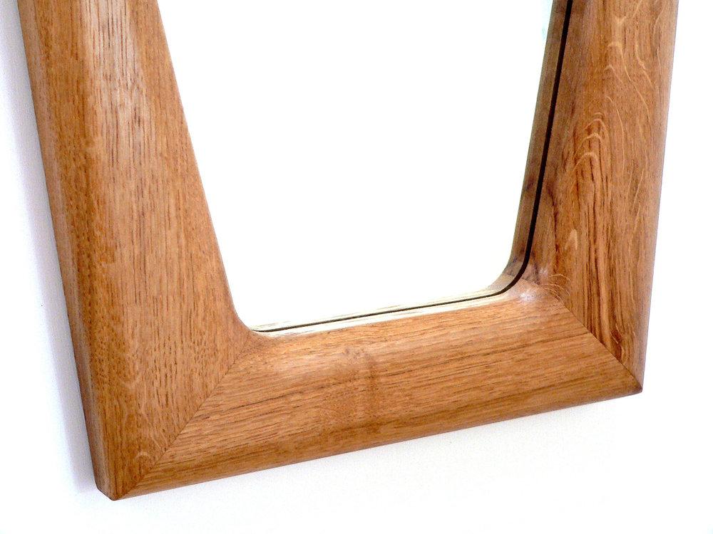 Large Oak Flow Mirror Detail