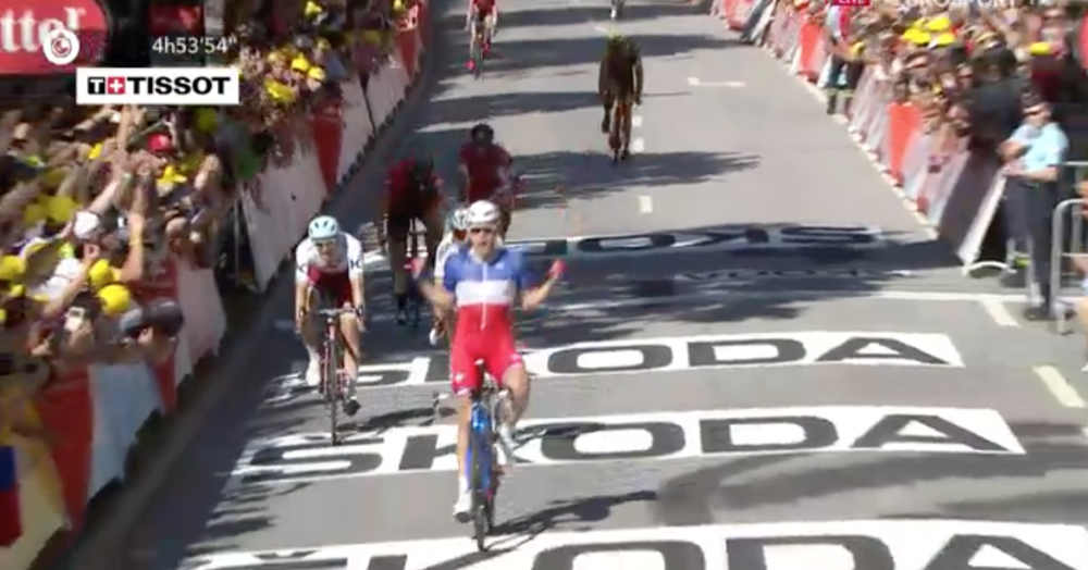 Arnaud Demare wins Stage 4