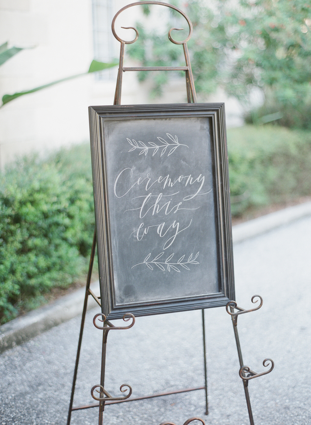 Dave Lapham Photography | Wedding Photos | Powel Crosley Estate | Juliet Grace Design Chalkboard Sign