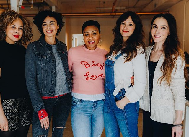Wowowow! This past weekend was one for the books. These ladies brought the goods and all the love for the @realgirlsfart galentines day event at @thewonderjam 🙌🏻