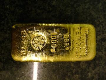 gold-1422084-639x852