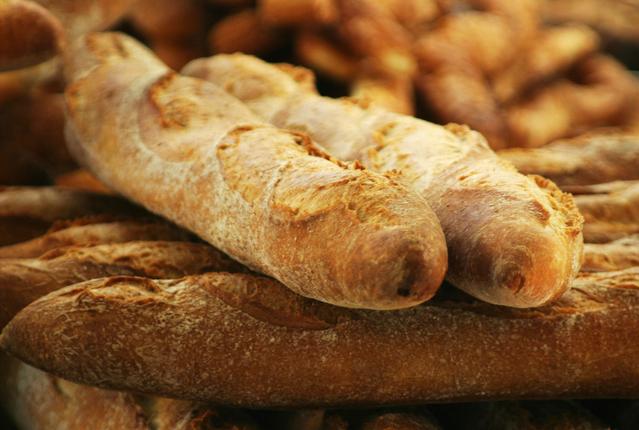 bread-roll-1483774-639x390