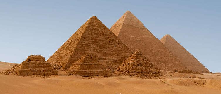pyramids-egypt-2134.jpg
