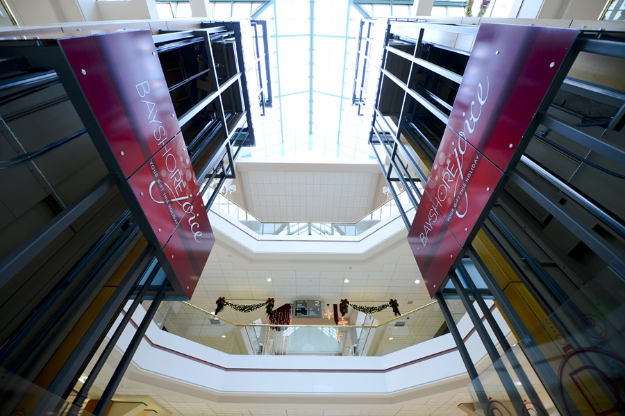 Bayshore Shopping Centre: Holiday Campaign Interior Branding