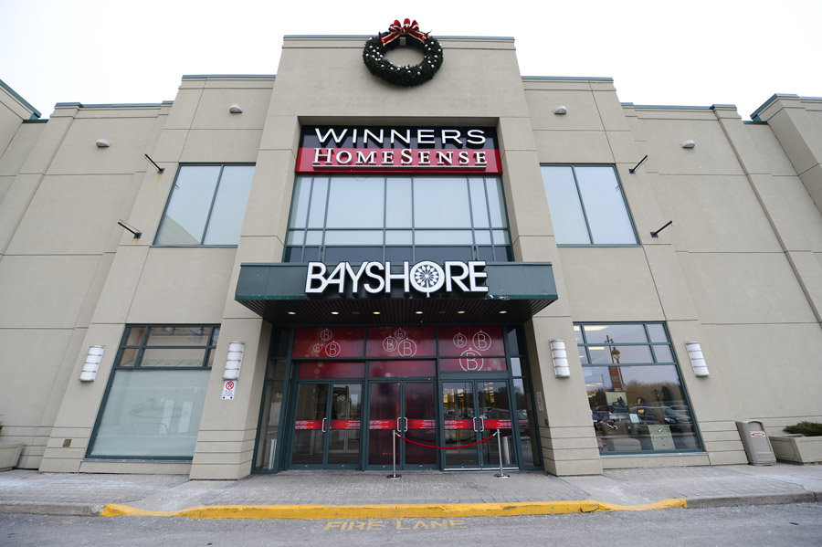 Bayshore Shopping Centre: Holiday Campaign Exterior Branding