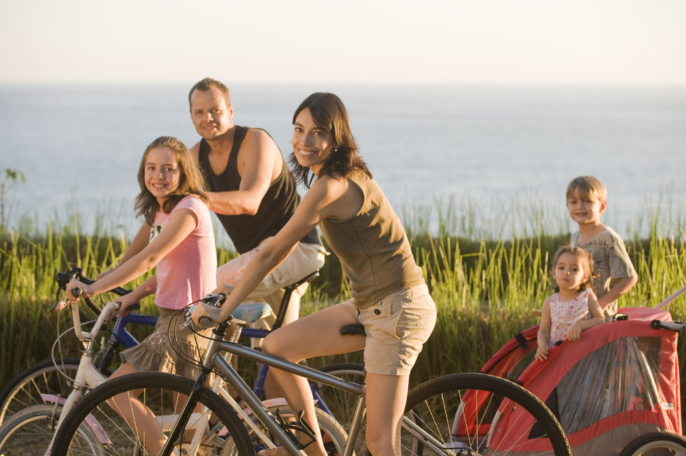 health-family-on-bikes