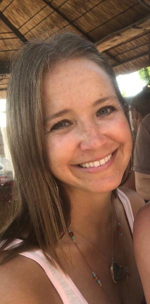 Elise Headshot.jpg